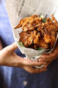 Onion Pakoras/Bajjis - Onions Fritters in Chickpea Batter Recipe