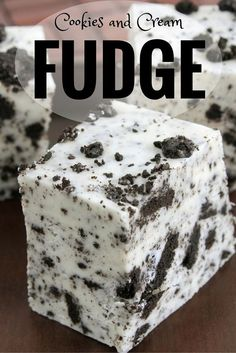 Cookies and Cream Fudge Holiday Recipe - - Want to bring something to a holiday party that is different? Try this cookies and cream fudge holiday recipe. Fudge Recipes, Candy Recipes, Sweet Recipes, Baking Recipes, Dessert Recipes, Cookies And Cream Fudge, Cream And Fudge, Fudge Cookies, Holiday Cookie Recipes