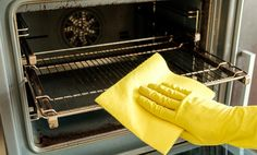 Ako vyčistiť rúru na pečenie? Ide to jednoducho s práškom do pečiva aj soľou Domestic Cleaning, Cleaning Appliances, Business, Cover, Store, Business Illustration