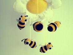 Móvil de abejas