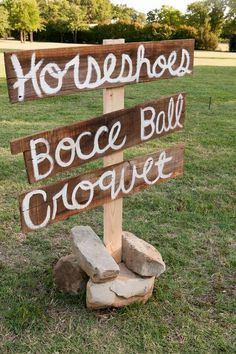 yard game sign  I want my wedding to be fun and entertaining. :)