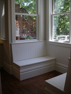 This one has a piano hinge lid for extra storage in the bench.