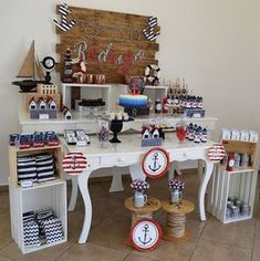 Mesa de postre, dulces y snacks con tema náutico. Ideal para fiesta de marinero.