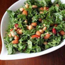 Kale & Mixed Bean Salad - healthy, hearty and so delicious with an easy homemade vinaigrette! My favorite kale salad recipe so far! Salad Recipes Healthy Vegetarian, Kale Salad Recipes, Salad Recipes For Dinner, Spinach Recipes, Chicken Salad Recipes, Healthy Eating, Broccoli Salad, Healthy Food, Making Kale Chips