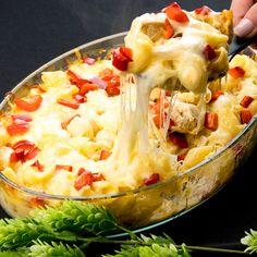 Cele mai bune paste cu piept de pui și mozzarella – nu vei mai dori să le faci altfel - savuros.info Pasta Carbonara, Good Food, Yummy Food, Cooking Recipes, Healthy Recipes, Healthy Food, Pasta Salad, Carne, Potato Salad