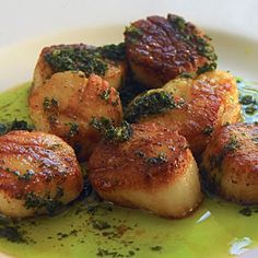Sautéed Scallops with Garlic and Parsley Butter