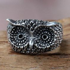 NOVICA Silver Owl Ring ($35) ❤ liked on Polyvore featuring jewelry, rings, cocktail, sterling silver, silver feather charms, charm jewelry, owl jewelry, silver charm ring and charm rings