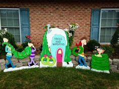 ideas for a whoville christmas Grinch Christmas Party, Grinch Party, Christmas Yard Art, Office Christmas, Christmas Wood, Disney Christmas, Holiday Fun, Christmas Holidays, Christmas Crafts