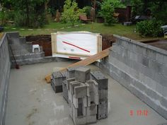 Walling the pool: step by step How is the pool self-construction going? With our … - Diy Pool Design Piscine Diy, Kleiner Pool Design, Pool Steps, Small Pool Design, Diy Pool, Pool Pool, Garden Steps, Plunge Pool, Outside Living