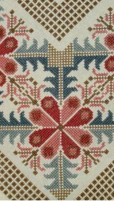 This Pin was discovered by NALTable runner, simple design but the fabric gives it that sparkle.Table runner, fabulous stitching, I really like these designs. Wool Embroidery, Cross Stitch Embroidery, Counted Cross Stitch Patterns, Cross Stitch Designs, Hand Embroidery Design Patterns, Cross Stitch Cushion, Palestinian Embroidery, Cross Stitch Boards, Tapestry Crochet