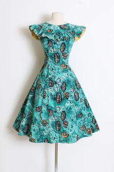 Vintage 1940s 40s Dress novelty print seashell hawaiian | Etsy 1940s Fashion, Vintage Fashion, Vintage Outfits, Vintage Clothing, Turquoise Background, 1940s Dresses, Novelty Print, Belted Dress, Printed Cotton