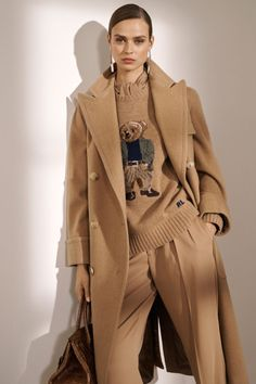 Ralph Lauren Pre-Fall 2019 Fashion Show Ralph Lauren Pre-Fall 2019 collection, runway looks, beauty, Autumn Look, Autumn Winter Fashion, Fall Fashion, 50 Fashion, High Fashion, Fall Winter, Outfit Chic, Beige Outfit, Ralph Lauren Style