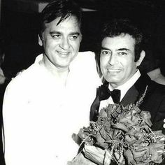 Sunil Dutt and Sanjeev Kumar Vintage Bollywood, Indian Bollywood, Sunil Dutt, Sanjeev Kumar, Indian Movies, Celebs, Celebrities, Rare Photos, Movie Stars