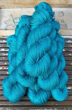 Kettle Yarn Co. - NEW! BEYUL - sw Merino/ Baby Yak / Silk fingering ...'Turquoise Tarn' - heathered rich turquoise