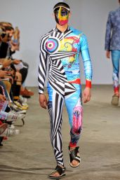 Walter Van Beirendonck Spring/Summer 2015 | Paris Fashion Week OMG is WLT making a comeback??? :D