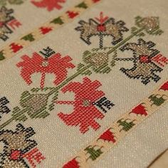 Hand embroidered table runner, table topper with Bulgarian motifs. Discover this decorative and beautiful handmade linen table runner from our exclusive collect Hand Applique, Embroidery Applique, Cross Stitch Embroidery, Embroidery Patterns Free, Embroidery Designs, Knitting Patterns, Cross Stitch Designs, Cross Stitch Patterns, Palestinian Embroidery