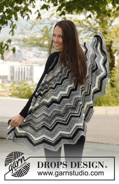 "Knitted DROPS shawl with zigzag pattern in ""Fabel"". ~ DROPS Design"