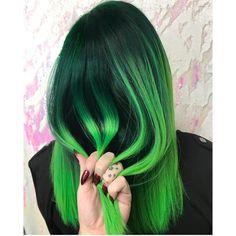 E N V Y by @cryistalchaos Crystal, you are an amazing hair artist! #hotonbeauty . . . . #greenhair #fallhair #neongreenhair #buzzfeedtopknot