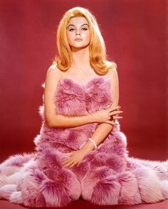 vintage everyday: Ann-Margret: Classic Beauty Icon of the Glamour Vintage, Glamour Hollywoodien, Hollywood Glamour, Vintage Beauty, Classic Hollywood, Old Hollywood, Vintage Fur, Vintage Redhead, Ann Margret Photos