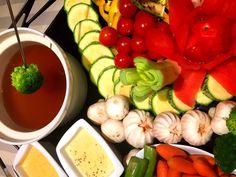 A receita vegetariana é servida com vegetais pré-cozidos.