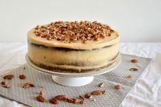 SUGARTOWN: Čokoládovo-banánový dort s krémem z arašídového másla a karamelizovanými pekanovými ořechy