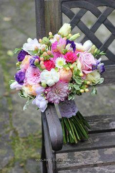 95 Beautiful Pastel Wedding Decor Ideas for the Spring - Blumen - Hochzeitsdeko Bride Bouquets, Flower Bouquet Wedding, Floral Bouquets, Floral Wedding, Wedding Colors, Hand Bouquet, Wedding Ideas, Gold Wedding, Bouquet Champetre