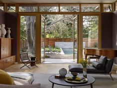 California LEED-Platinum home centered on three living pavilions
