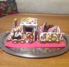 Mit Kids einen Lebkuchenzug gemacht Cake, Desserts, Food, Ginger Beard, Homemade, Tailgate Desserts, Pie, Kuchen, Dessert