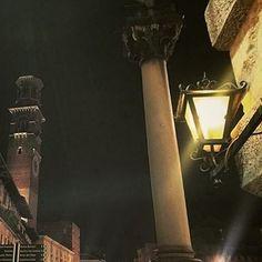 #verona #piazzaerbe #city #night #details #lights #instapic #instaphoto