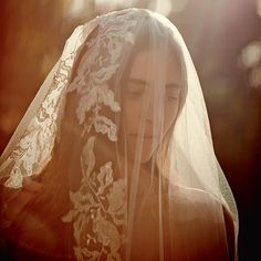 Detailed veils are absolutely unforgettable.