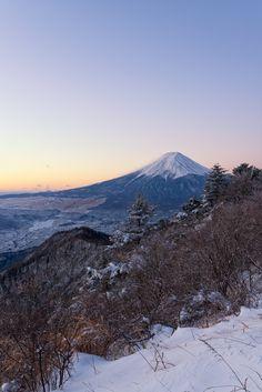 Mt. Fuji taken from Mt. Mitsutoge, Yamanashi,  Japan ©Yuga Kurita 三つ峠からの富士山