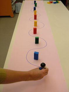 Este ejercicio permite a los niños mejorar el movimiento de muñeca y el trazo que les servirá para tener mayor facilidad y habilidad a la hora de escribir grafías minúsculas.