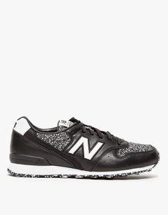 Trendy Women's Sneakers :   Black & White Sneakers    - #Women'sshoes