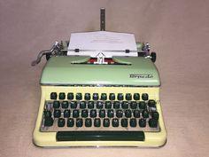 Mechanische Schreibmaschine Torpedo 18 portable typewriter um 1959