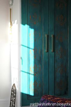 Easy D.I.Y. Verdigris Painted Closets.. ~ Paint It White Interiors