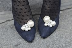Tutorial: How to make pearl clusters to attach to shoes