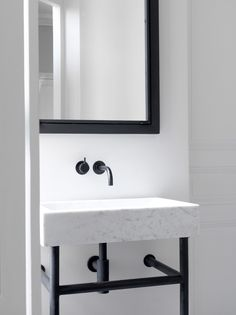 27 Tiny House Bathroom Remodel Ideas That Can Be What Your Home Needs – Interior Design – Marble Bathroom Dreams Bad Inspiration, Bathroom Inspiration, Interior Inspiration, Bathroom Ideas, Paris Apartment Interiors, Paris Apartments, Retail Interior, Beautiful Bathrooms, Bathroom Interior