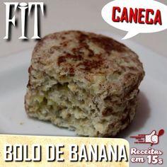 Bolo de banana FIT  Ingredientes: - 1 banana amassada  - 1 clara  - 2 colheres (sopa) de aveia  - 1/2 colher (café) de fermento em pó  - canela para polvilhar a caneca untada   Unte a caneca e polvilhe com a canela.  Num potinho, misture a banana amassada com a clara, junte a aveia e por fim o fermento. Coloque na caneca e leve ao microondas por 1 minuto e meio. Desenforme e #pronto!  Lanche rápido, saudável, pode ser preparado de véspera e guardado na geladeira