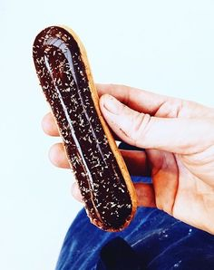 Eclere Galaxynoul Trend In Materie De Dulciuri Eclairs - Ukranian bakery creates eclairs so perfect eating them would be a crime