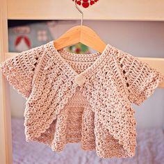 Instantánea descargar - Crochet Cardigan PATTERN (archivo pdf) - alboroto manga de encogimiento de hombros - Rebeca (tamaños del bebé hasta los 6 años)                                                                                                                                                                                 Más