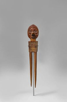 Comb (yisanunu) century Geography:Democratic Republic of the Congo Culture:Yaka peoples Medium:Wood Dimensions:H. 15 in. 1 in. Upturned Nose, Wood Sculpture, Republic Of The Congo, Hair Comb, African Art, Art And Architecture, Door Handles, Collection, Metropolitan Museum