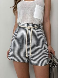 53 Fashion Trends That Make You Look Cool 2019 - Fashion Moda 2019 Short Outfits, Stylish Outfits, Cool Outfits, Short Dresses, Modest Fashion, Fashion Dresses, Look Con Short, Look Cool, Street Style Women