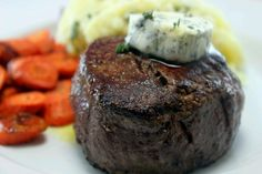 Filet minon garlic butter carrots mashed potatoes with garlic gravy can it get any better