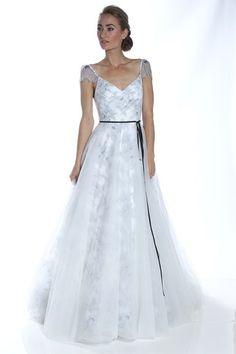 Vestidos de Novia en colores Blanco y Negro 9