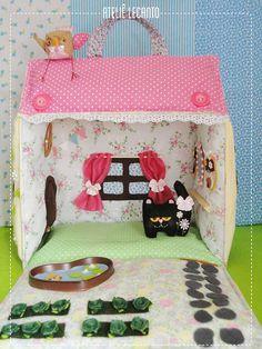 Casinha de Boneca - Fabric dollhouse | Flickr - Photo Sharing!