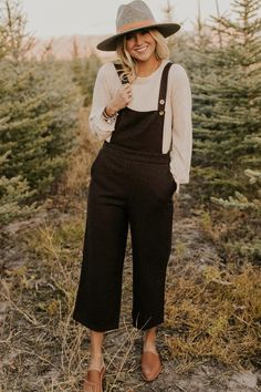 Trendy Bottoms for Women - From Our Closet to Yours New Outfits, Winter Outfits, Casual Outfits, Cute Outfits, Fashion Outfits, Travel Outfits, Vacation Outfits, Boho Outfits, Black Overalls Outfit
