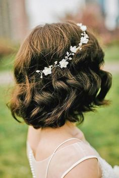 short wedding hairstyle ideas 32