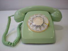 Vintagería: Teléfono heraldo verde manzana, años 60/70