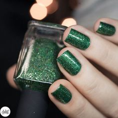 Stunning swatch of our Ultra Metallics polish, Lucky One, by @pshiiit_polish!!  Available worldwide on ILNP.com! #ILNPLuckyOne