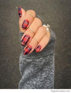 Amazing plaid nails and gold rings